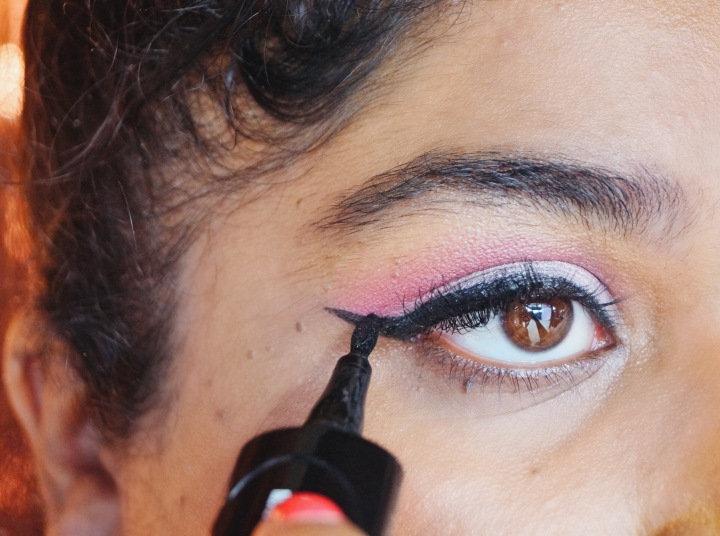 COMMENT RÉUSSIR SON TRAIT D'EYELINER ?/ HOW TO APPLY PERFECTLY YOUR EYELINER ? | TUTORIAL