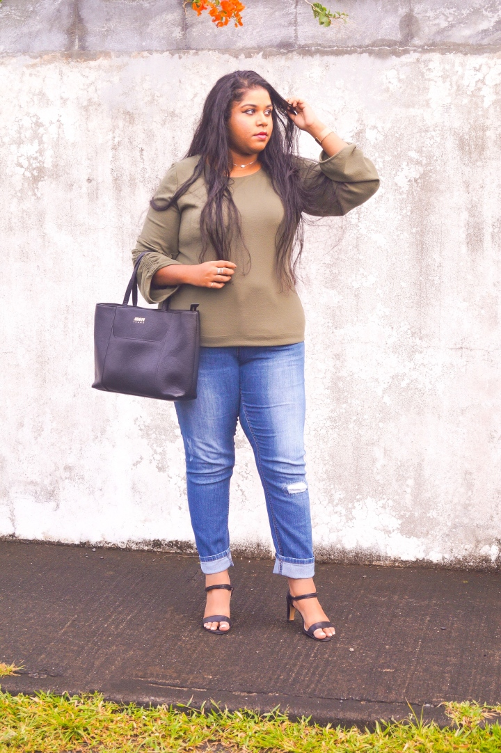 CASUAL KHAKI LOOK